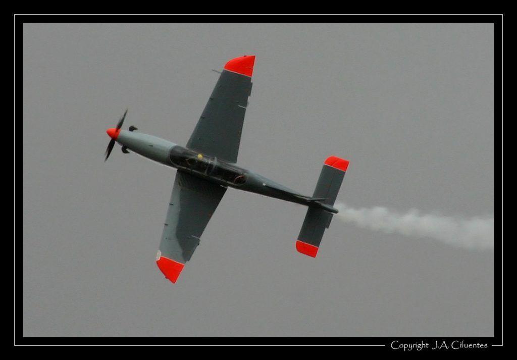 "PZL 130 Orlik de la Patrulla Acrobática ""Orlik"" (Polonia)."