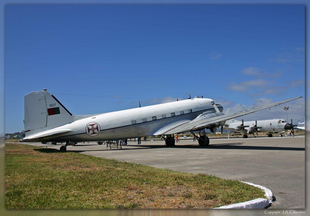 Douglas DC-3 Dakota.