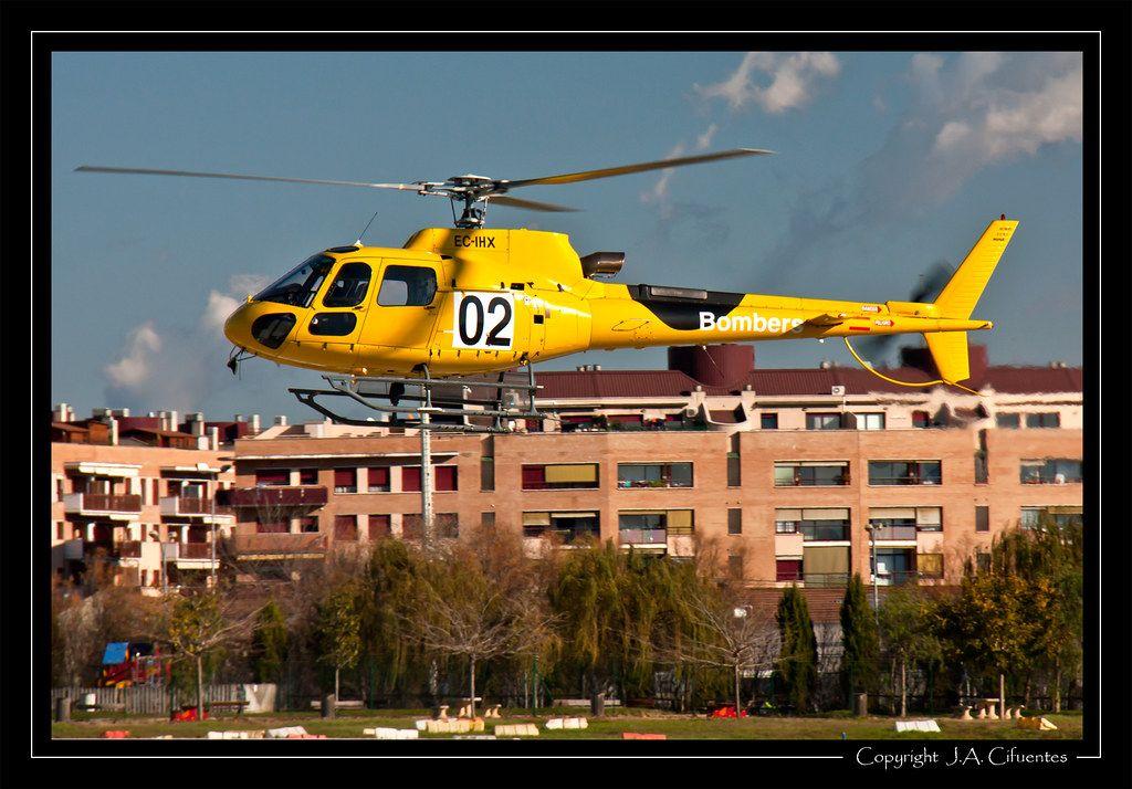Eurocopter AS350B3 Ecureuil (EC-IHX) de TAF Helicopteros.