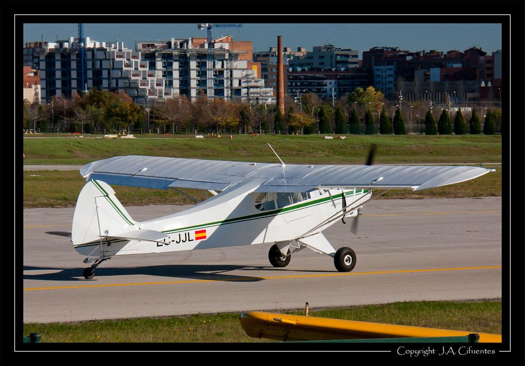 Piper PA-18A-150 Super Cub (EC-JJL).