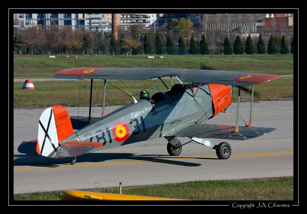 """CASA 1131 / Bücker 131 """"Jungmann"""" (EC-FUU)."""