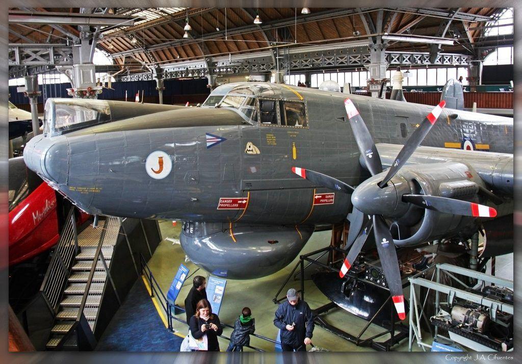"""Avro Shackleton AEW.1 """"WR960""""."""