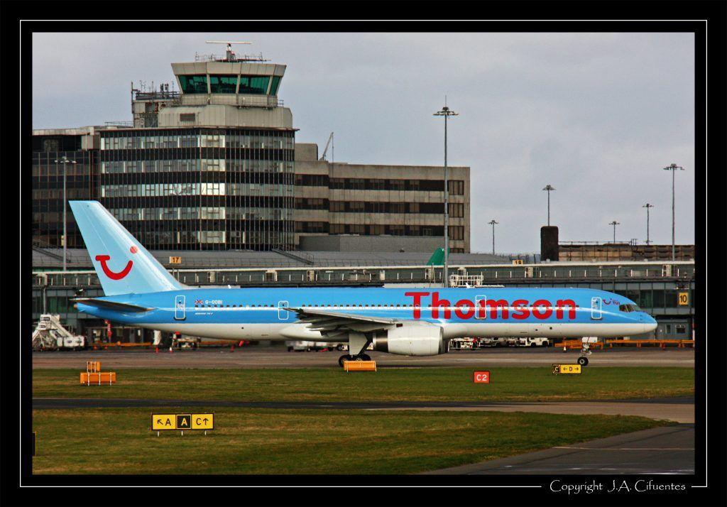 Boeing 757-2B7 (G-OOBI) de Thomson Airways.