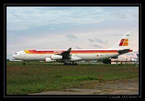 Airbus A340-500 con los colores de Iberia.