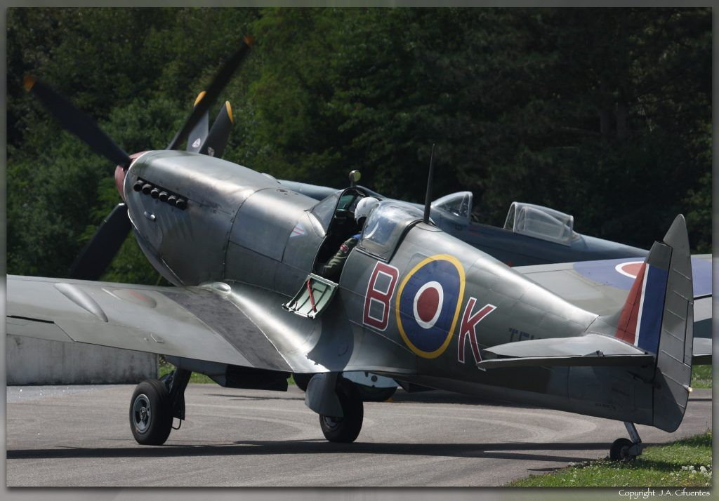 Supermarine Spitfire Mk.XVIe TE184.