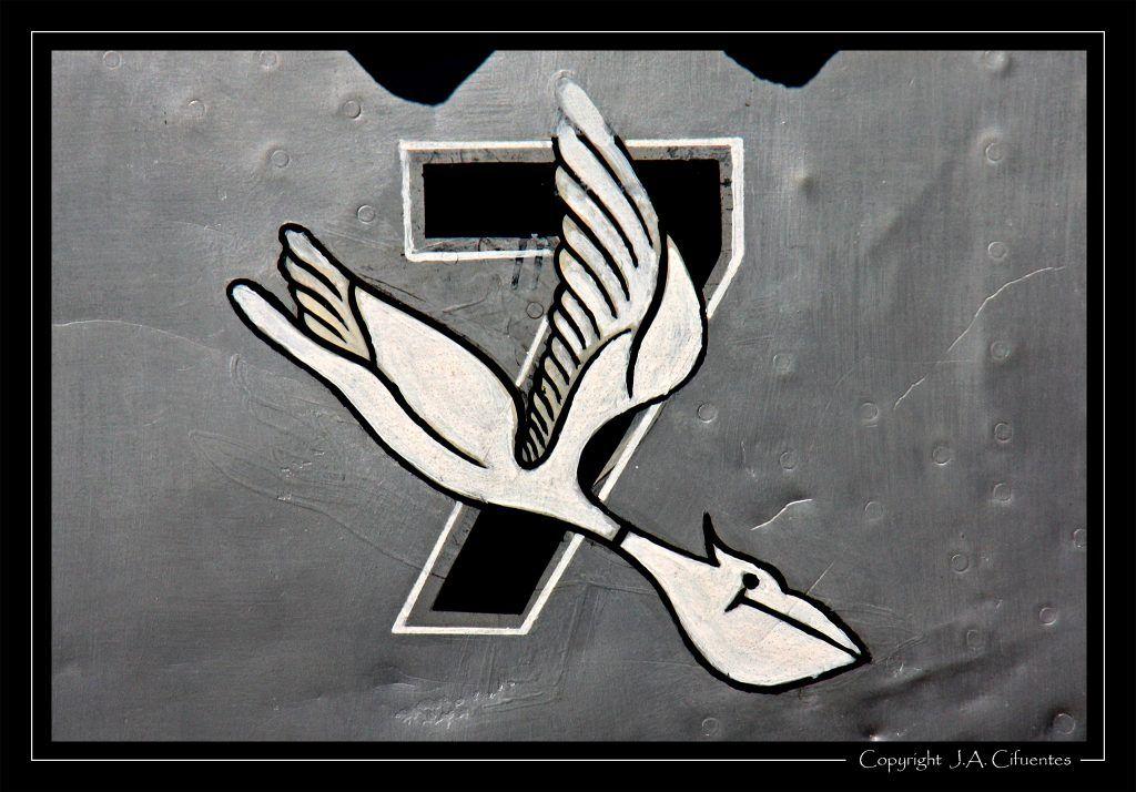 Emblema del Ala 7 de El Copero en el Hispano Aviación HA-1112 - M1L «Buchón».