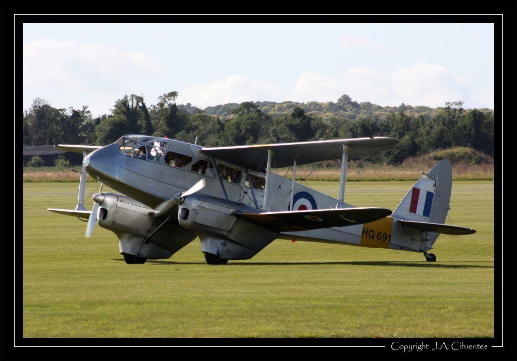 De Havilland DH.89A Dragon Rapide (HG691).