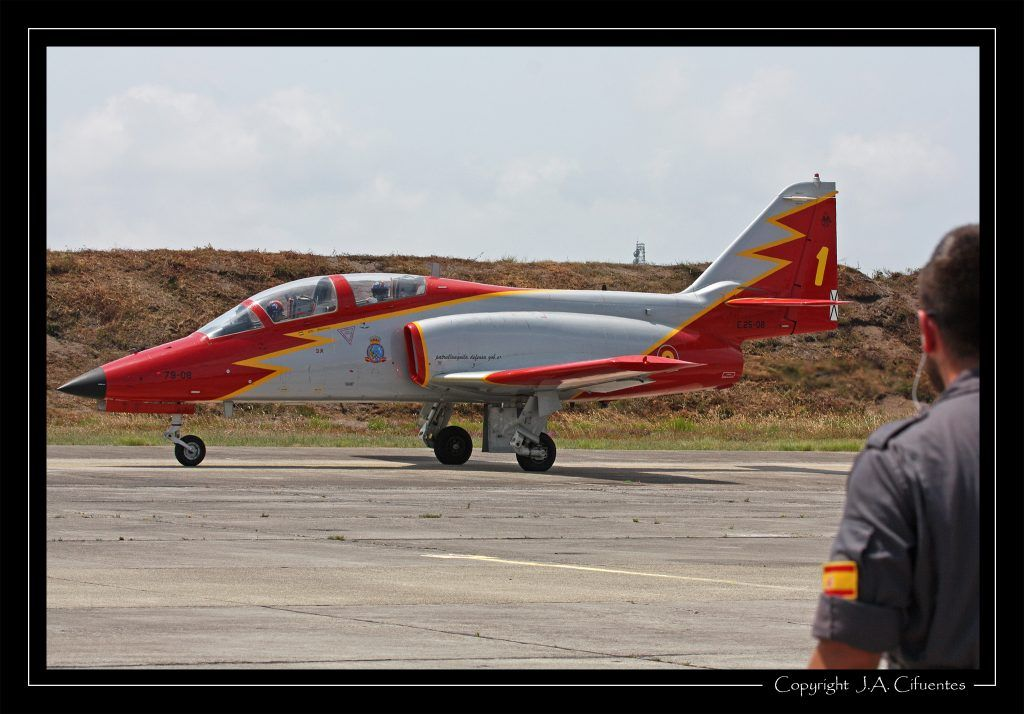 Patrulla Águila en la Base Aérea de Cazaux.