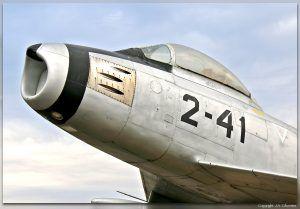 Monumento al North American F-86 Sabre.