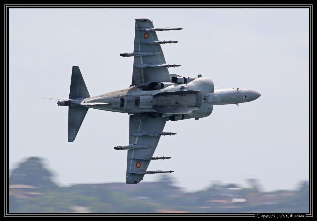 McDonnell Douglas AV-8B Harrier II de la Armada.