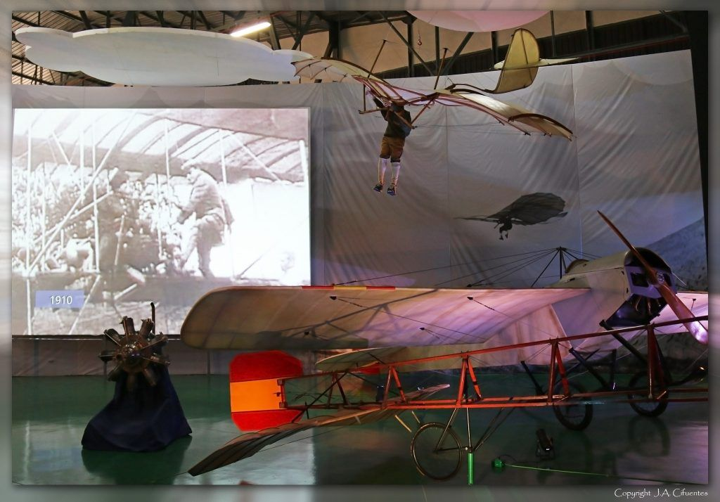 Nieuport IV G y planeador de Otto Lilienthal.