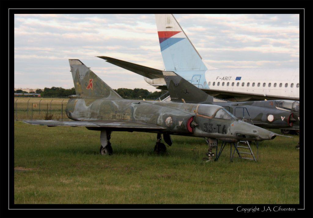 "DASSAULT "" Mirage"" III R D n°352."