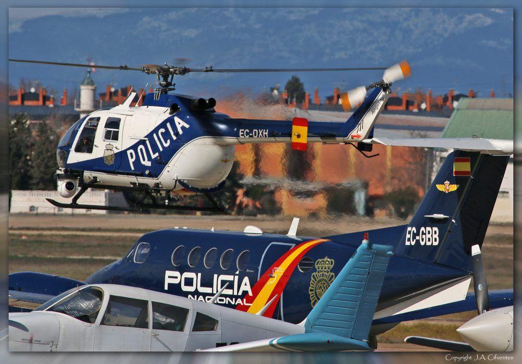 MBB Bö105-CB (EC-DXH) y Beech Super King Air B200 (EC-GBB) de la Policia Nacional.