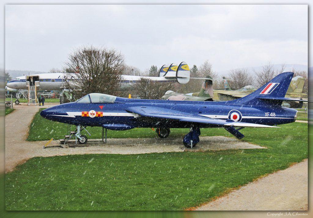 Hawker Hunter F 6A (XF 418).