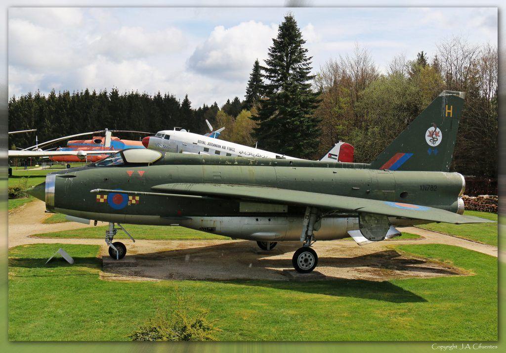 English Electric F 2A Lightning (XN 782).