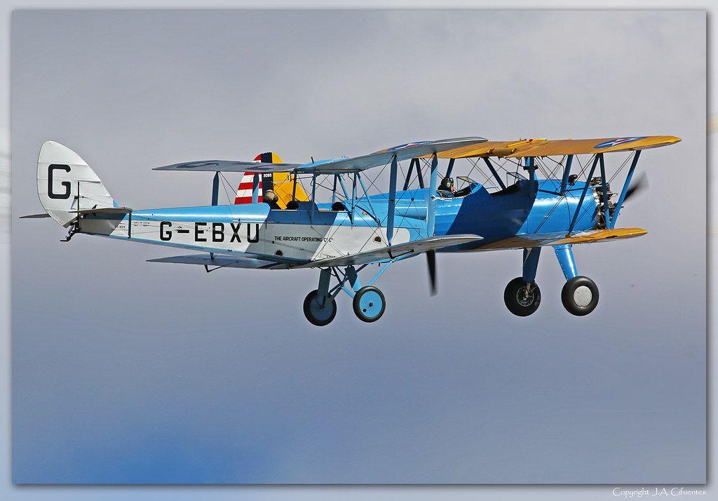 Boeing PT-17 Stearman «Kaydet» y De Havilland DH-60 Moth.