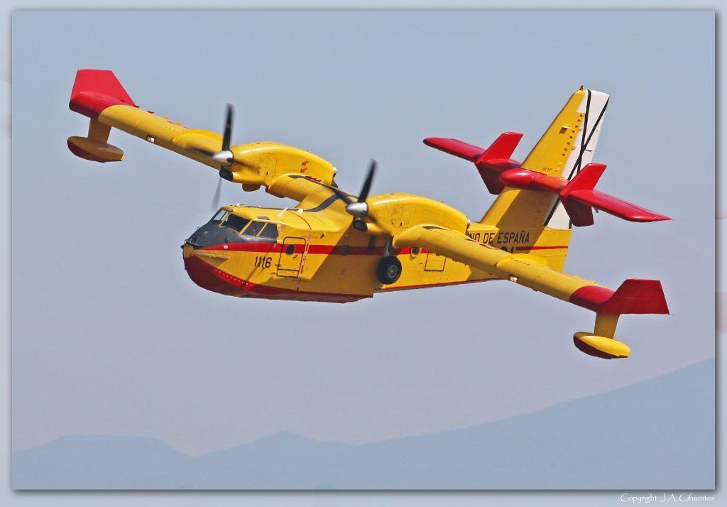 Canadair CL-215T (UD.13 / 43-28) del Ejército del Aire.