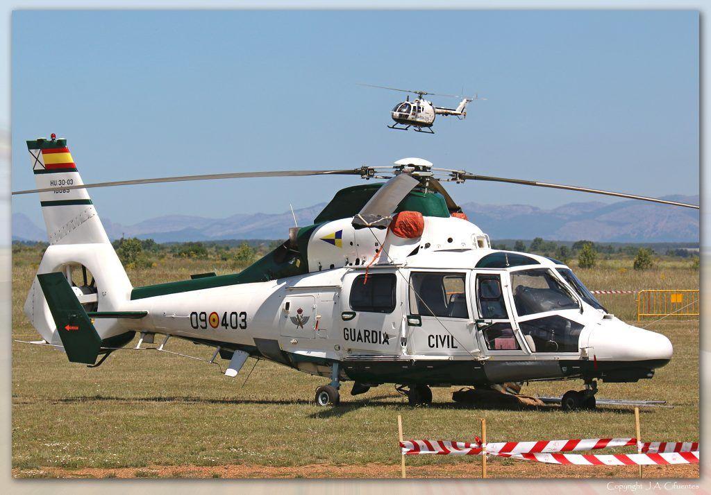 Eurocopter AS-365N3 Dauphin 2 (HU.30-03 / 09-403) de la Guardia Civil.