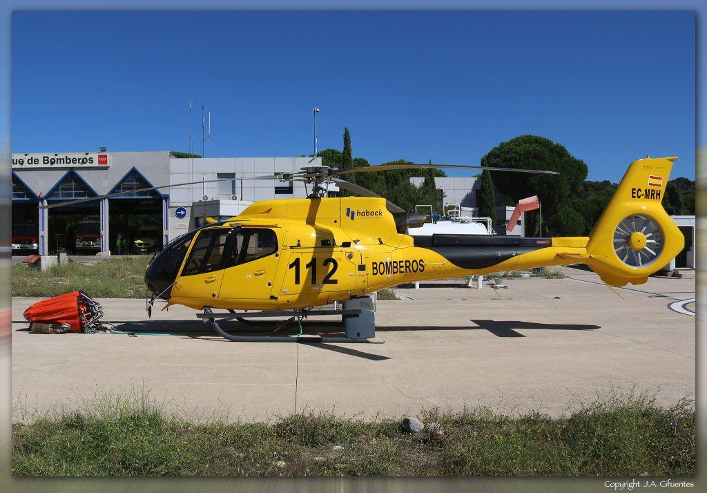 Eurocopter EC-130T2 (EC-MRH) de Habock. Parque de Bomberos de San Martín de Valdeiglesias, Madrid.