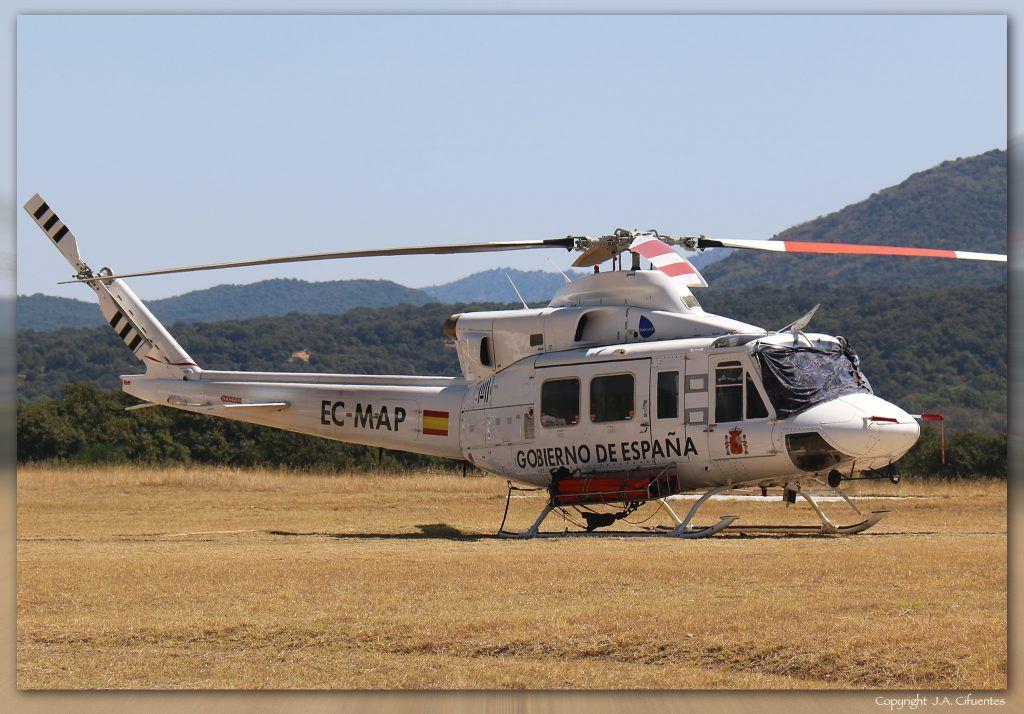 Bell 412 (EC-MAP) de Babcock. Aeródromo del Tiétar/La Iglesuela (LETI), Toledo.
