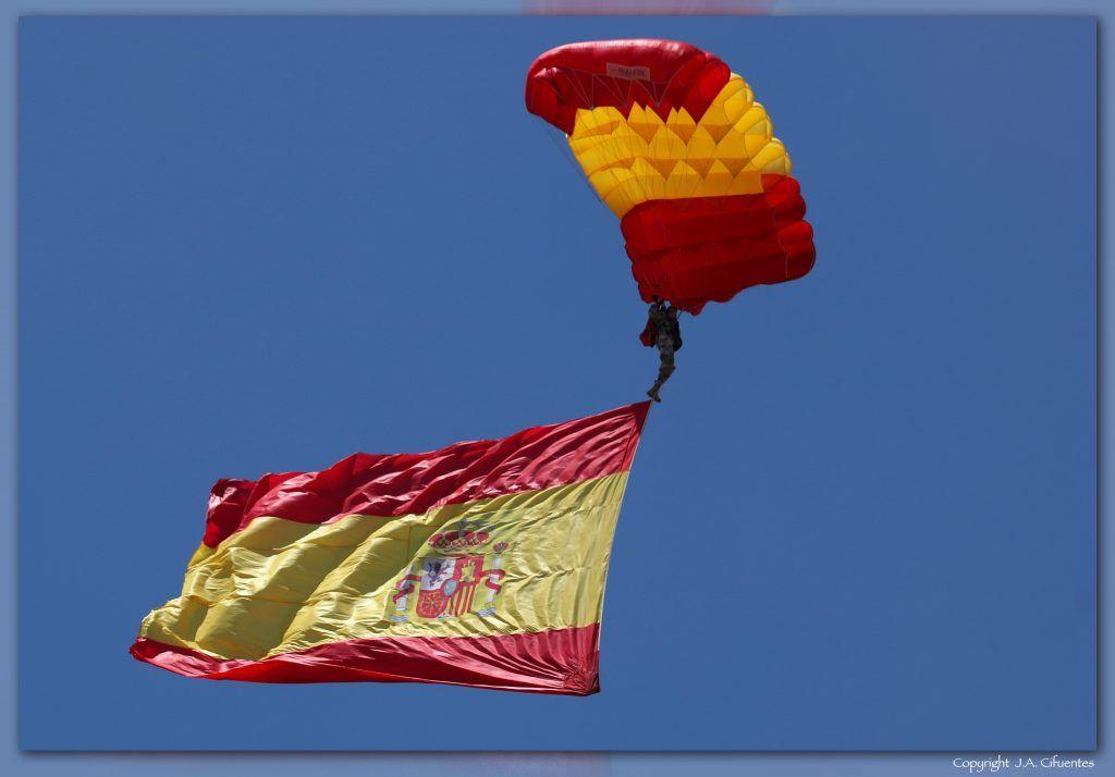 Saltador de la «Escuela Militar de Paracaidismo Méndez Parada» del Ejercito del Aire.