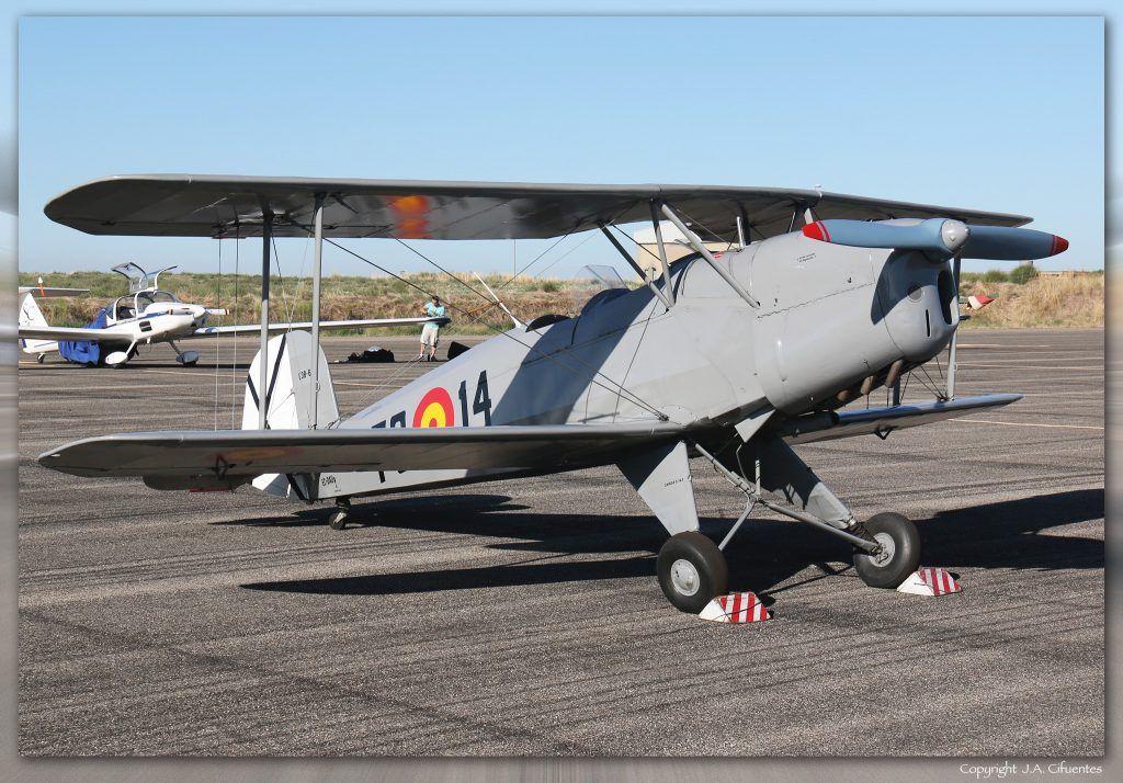 """CASA 1131 / Bücker Bü-131 """"Jungmann""""."""