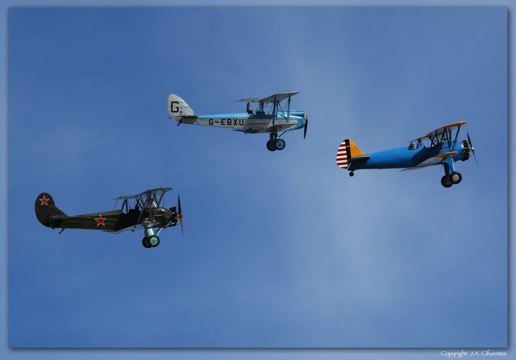 """Boeing Stearman 75 """"Kaydet"""", De Havilland DH-60X Moth y Polikarpov Po-2 de la Fundación Infante de Orleans"""