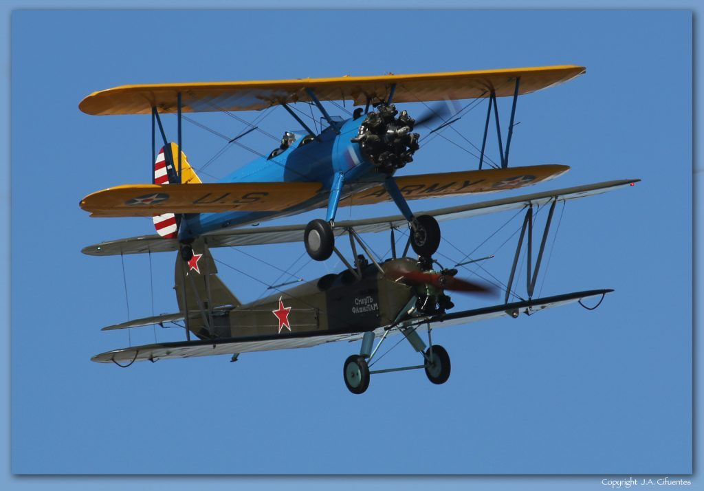 "Boeing Stearman 75 ""Kaydet"" y Polikarpov Po-2"