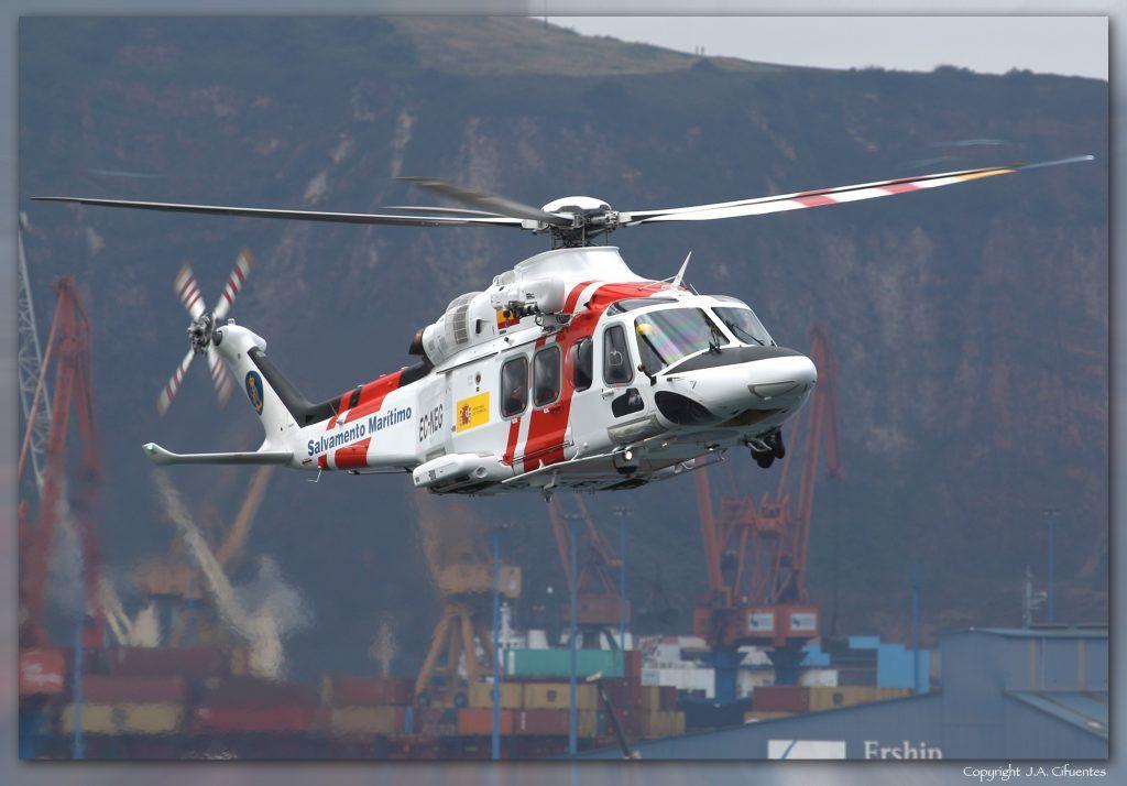 AgustaWestland AW139 (EC-NEG) de Salvamento Marítimo.