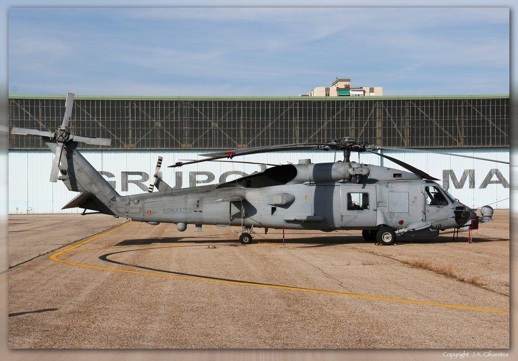 Sikorsky SH-60B Block I LAMPS III de la 10ª Escuadrilla de la Armada.