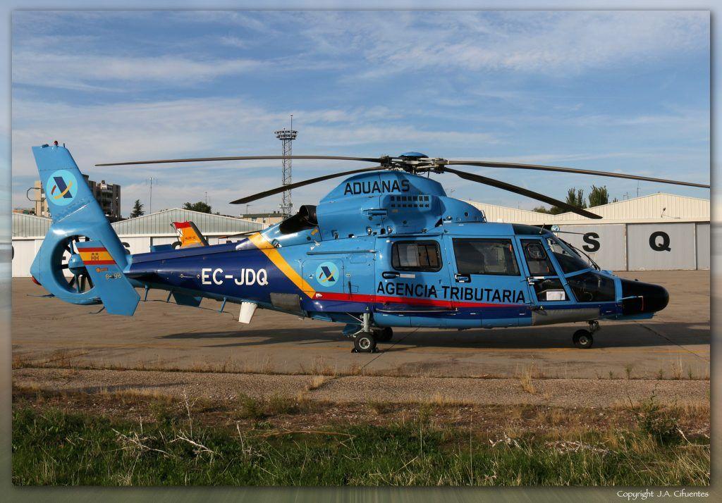 Eurocopter AS-365N3 Dauphin 2 (EC-JDQ) de la Agencia Tributaria.