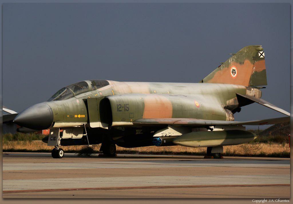 C.12-19 / 12-15 McDonnell Douglas F-4C Phantom II.