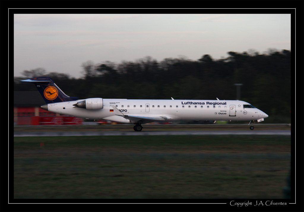 Bombardier CRJ-701ER (D-ACPO) de Lufthansa Regional.