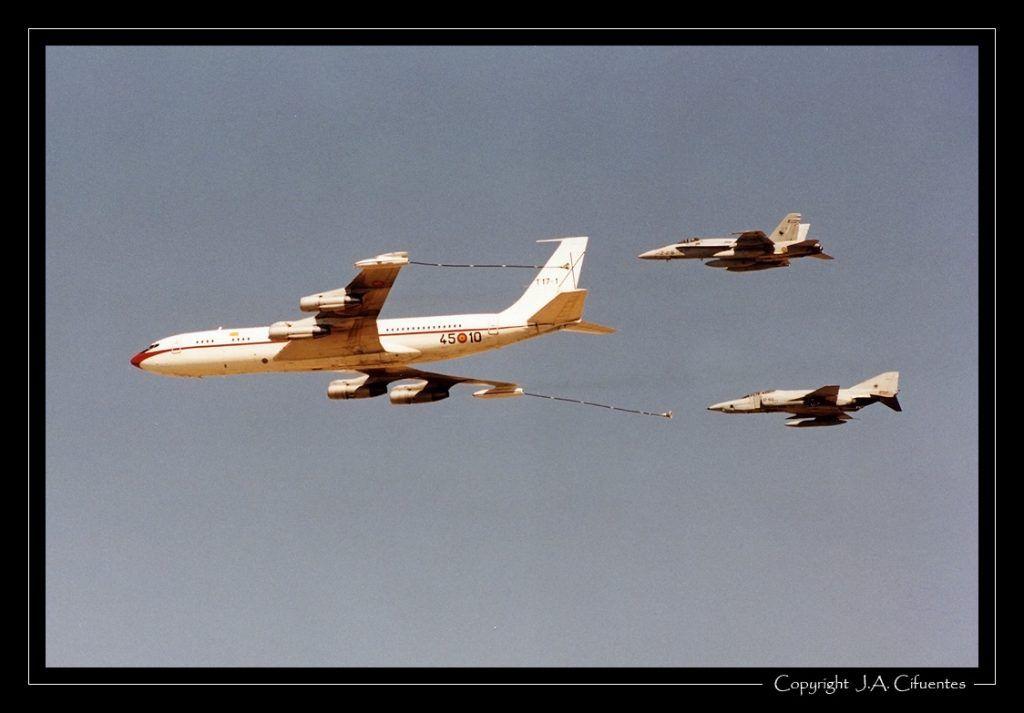 Boeing 707 del 45 Grupo, RF-4C Phantom y F/A-18 Hornet del Ala 12 del Ejército del Aire.