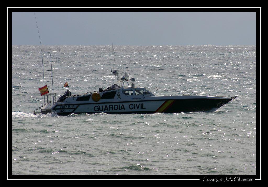 """Patrullera """"Río Santa Eulalia"""" (M-29) de la Guardia Civil."""