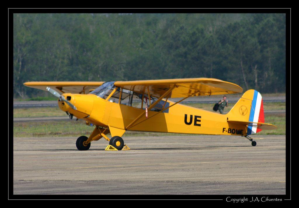 Piper Aircraft PA 19 (F-BOUE).
