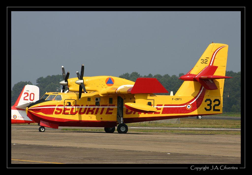 Canadair CL-415 de la Sécurité Civile.
