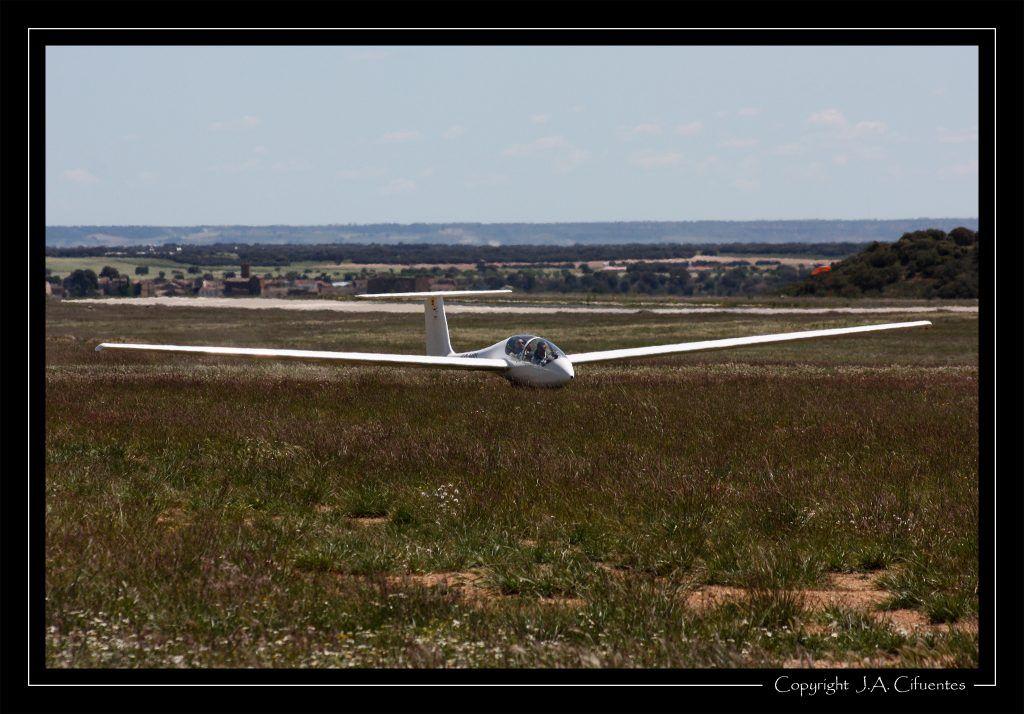 Grob G103-A Twin II Acro EC-HRI del Club Nimbus de Vuelo a Vela.