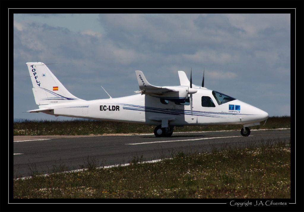 Tecnam P2006T EC-LDR de Top Fly.