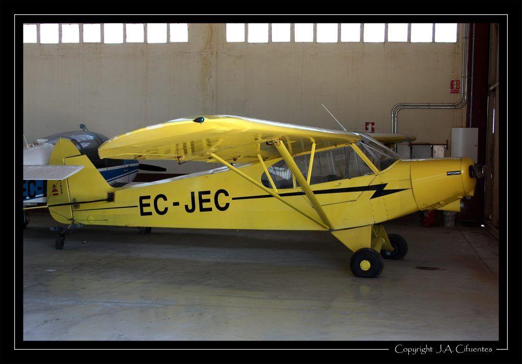 Piper PA-18-150 Super Cub EC-JEC de Aircat Serveis Aeris.