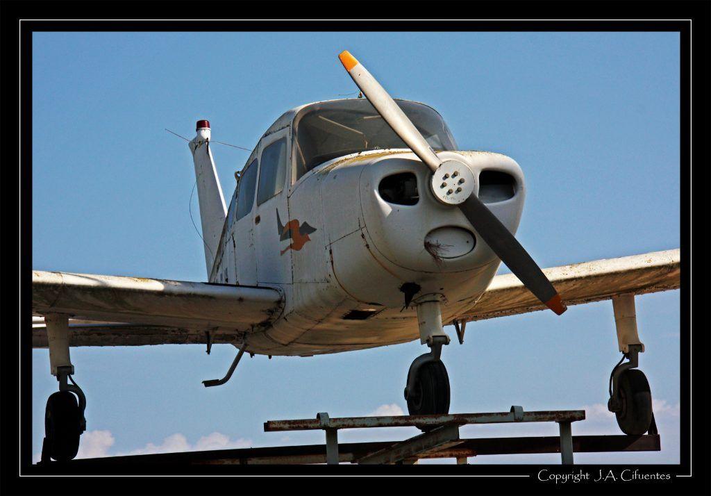 "Beechcraft 23 ""Musketter""."