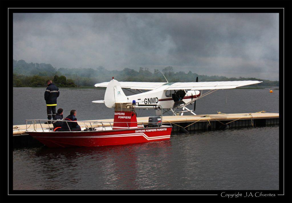 Piper PA-18-150 Super Cub (F-GNMD).
