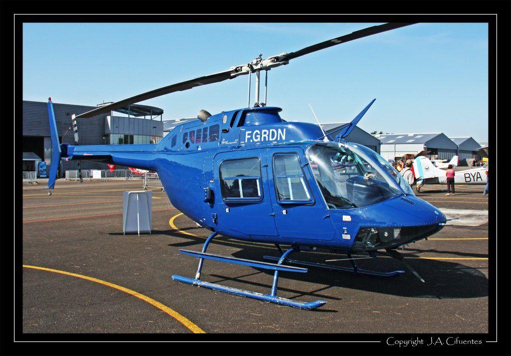 Bell 206B JetRanger II (F-GRDN).