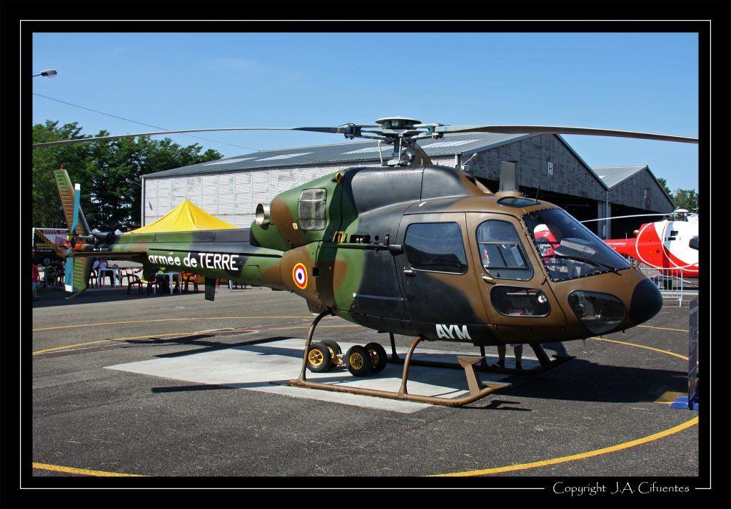 Eurocopter AS350 Ecureuil de l'Aviation Légère de l'Armée de Terre (ALAT).