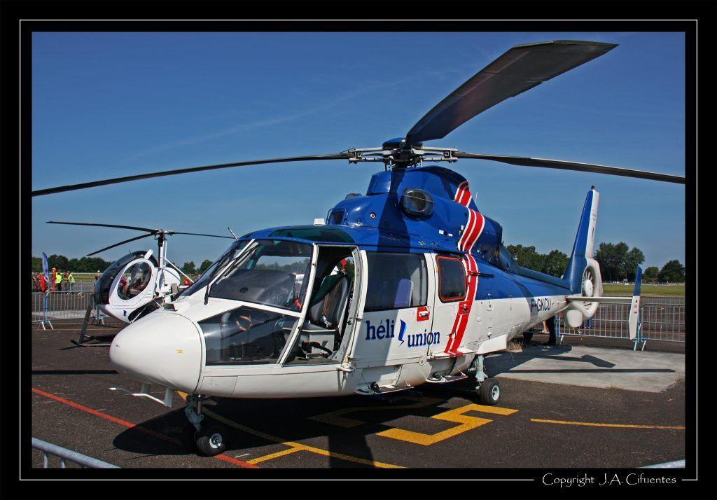 Aerospatiale SA365N Dauphin (F-GKCU).