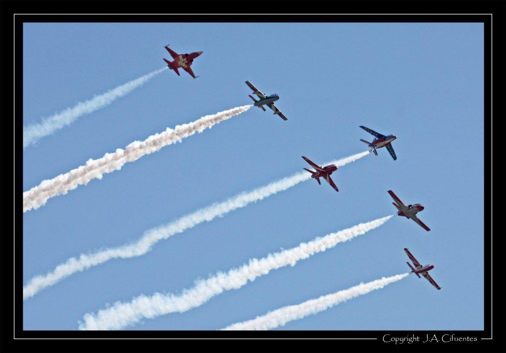 """Northrop F-5E Tiger """"Patrouille Suisse"""" - Forces aériennes suisses; Aermachi MB.339PAN """"Frecce Tricolori"""" - Aeronautica Militare; British Aerospace Hawk """"Red Arrows"""" - Royal Air Force; Dassault-Breguet/Dornier Alpha Jet """"Patrouille de France"""" - Armée de l'Air; CASA C-101 """"Patrulla Aguila"""" - Ejercito del Aire y PZL TS-11 Iskra bis B """"Patrulla Iskra"""" - Siły Powietrzne."""