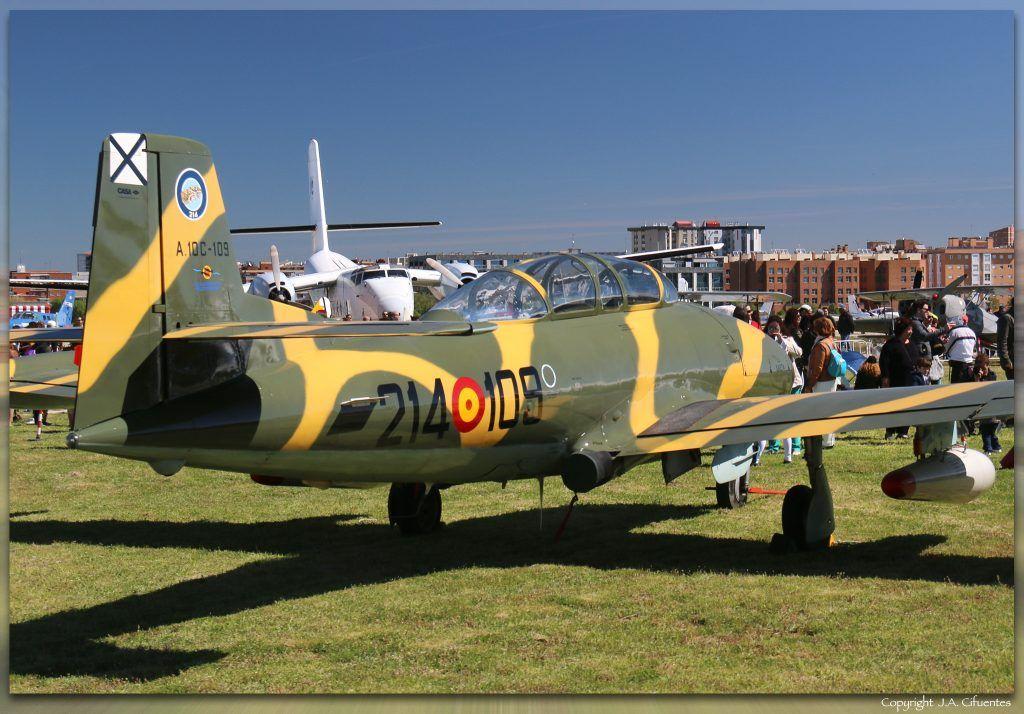 Hispano Aviación HA -220 Super Saeta (EC-DXJ).