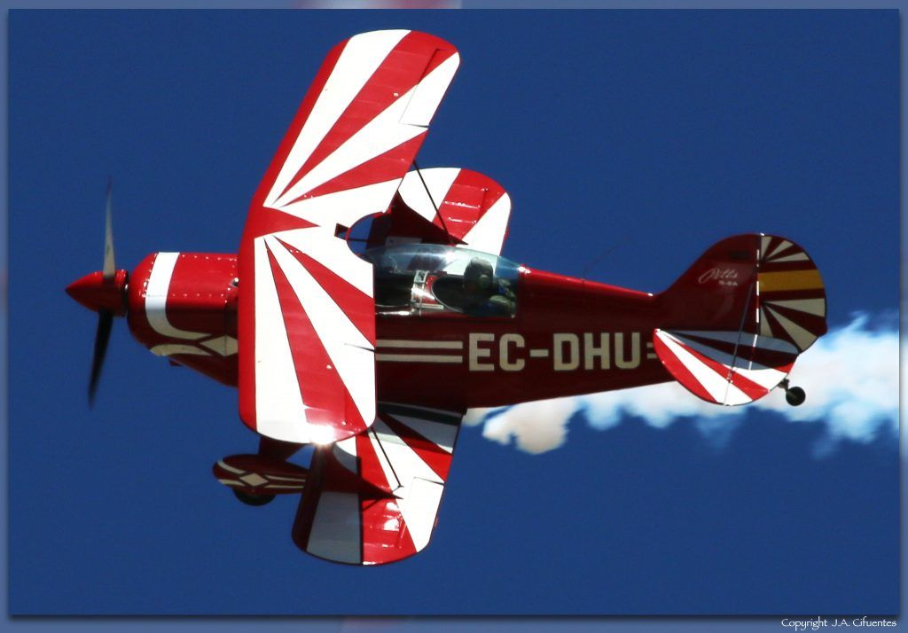 Pitts S2A Special (EC-DHU).