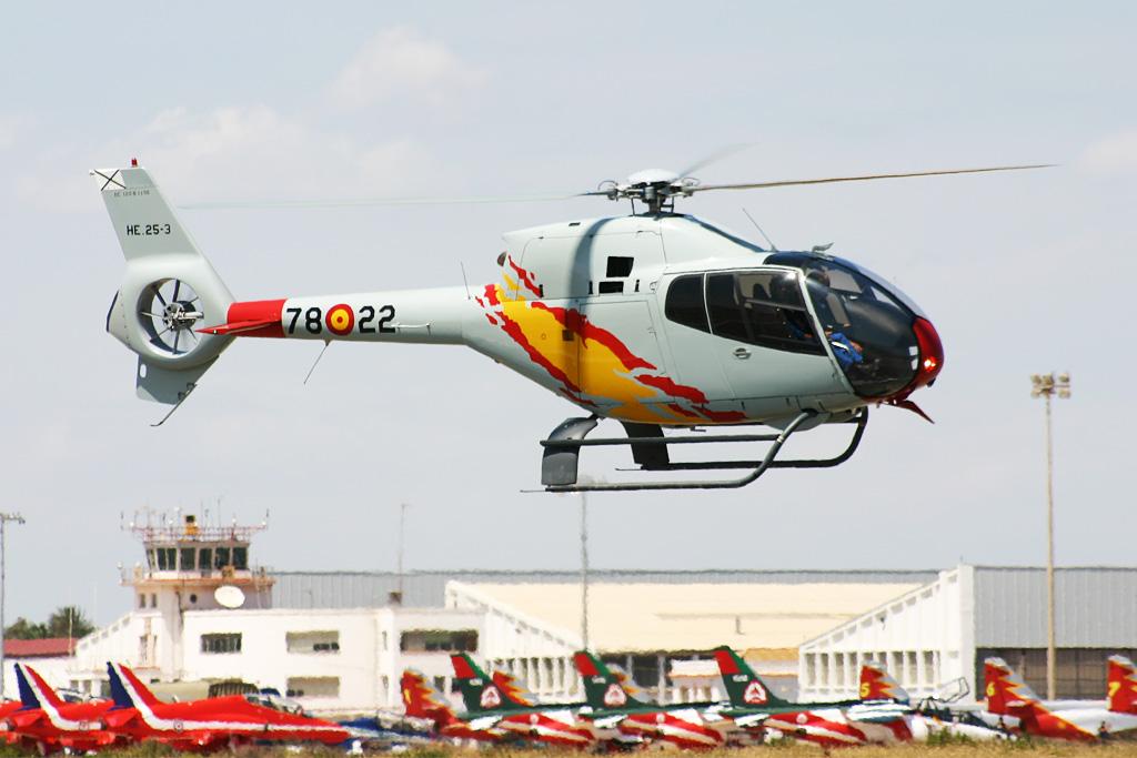 """Eurocopter EC-120B """"Colibrí"""" de la Patrulla Aspa."""