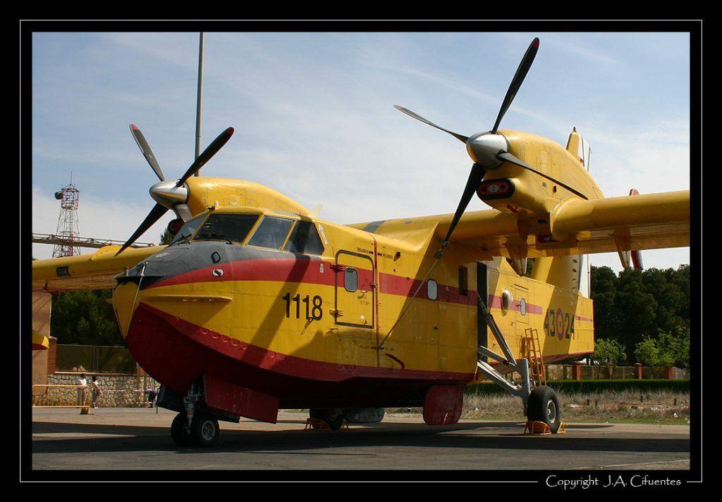 Canadair CL-215T del 43 Grupo del Ejercito del Aire.